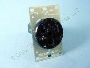 Leviton Industrial Welder Power Receptacle Outlet NEMA 5-30R 30A 125V Bulk 5371