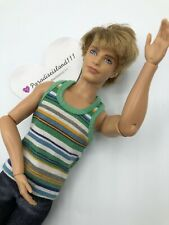 KEN 2009 Barbie Fashionista ARTICULATED ARMS ELBOWS WRIST Doll ROOTED BLOND HAIR