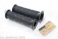 Genuine Yamaha V50 V70 V75 V90 Y80 U5 U7 MF3 U5E U7E U5D Grip Rubber L/R NOS