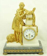 EINZIGARTIGE KAMIN UHR / FIGUREN UHR. BRONZE & CARRARA MARMOR  um 1850