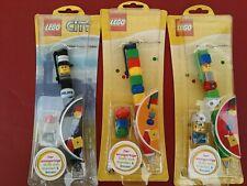 Lote de tres bolígrafos de Lego surtidos. Futbolista, clásico y policía.