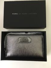 New In Box $148 Marc Jacobs Classic Q Wingman Leather Wristlet Wallet Gunmetal