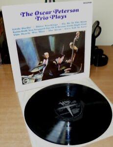 "OSCAR PETERSON TRIO PLAYS 1966 12"" LP Mono First English pressing"