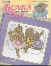Leisure Arts - BEARS AT THEIR BEST - 5 cute Teddy Bear Designs, c2004, OOP