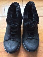 BZees Women's Golden Sneaker Microfiber 6 BlackMicrofiber/Black Faux Fur