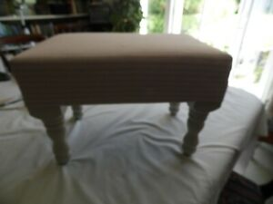 footstool grey with pink stripe and grey legs