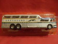 n° 3 GREYHOUND SCENICRUSER  Autobus et Autocar du Monde  année 1956 1/43 Neuf