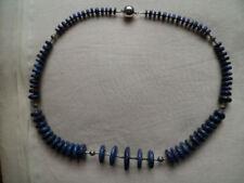 Gefärbte Echtschmuck-Halsketten & -Anhänger im Collier-Stil mit Lapis Lazuli-Kameras