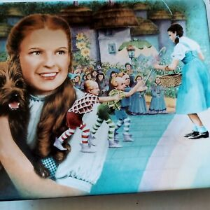 """wizard of oz collector plates """"Toto I Have a feeling We're not in Kansas Anymore"""