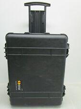 """Pelican 1560 Protector Case Interior: 19.9"""" × 15"""" × 9"""""""