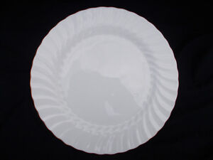 Wedgwood GOLD CHELSEA Dessert Plate. Diameter 7 3/4 inches.