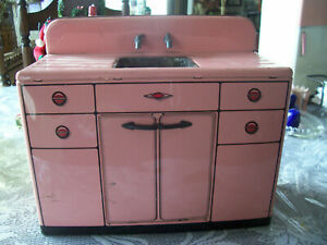 Marx pink tin toy sink cabinet