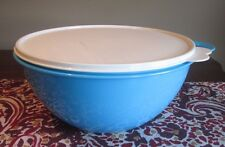Tupperware MEDIUM  Thatsa Bowl  4.5 L 19 cups Aqua Blue Salt Water Taffy