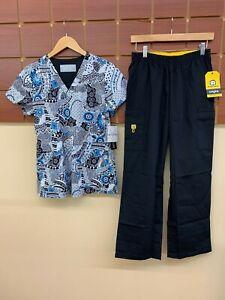 NEW Black Print Scrub Set With Med Couture Medium Top & Wink Medium Petite Pants
