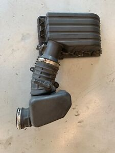 2006-2010 FORD EXPLORER MERCURY MOUNTAINEER AIR INTAKE CLEANER BOX 6L249600