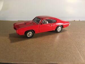 ERTL 1/43 Scale 1968 Pontiac GTO Diecast Red w/White Interior #15 in a Series