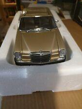AUTOart Mercedes-Benz /8 280C Coupe 1968 beige 1:18