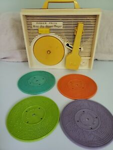 Vintage Fisher Price Music Box Record Player with 4 Records SIDE ART