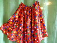 fillette  ou femme menue la jupe  a pois colorés  tres froncée==== taille1