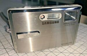 Samsung VUU i85 8.1mp Digital Compact, 5x Zoom with multimedia - gorgeous !