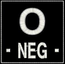 ECUSSON O- NOIR GROUPE SANGUIN O- POS POSITIF INSIGNE