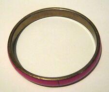 Grazioso Bracciale in Tono Oro in Metallo Stile Braccialetto con rosa caldo esterno sezionato