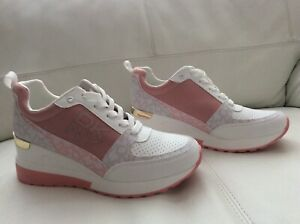 NEW DKNY Trainers   US 8,M