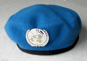 U.N UN United Nations Peacekeeping Army Beret HaT + Badge