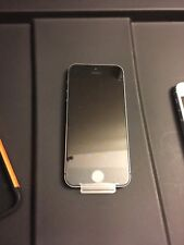 Apple iPhone 5s - 64GB - Space Gray (Unlocked) Smartphone