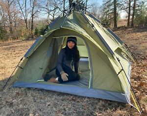 NEW 3 PERSON DOME TENT EASY UP 1 PIECE BUILT N RAIN SHIELD 2 OPENING ARMY GREEEN