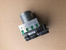pompe-Bloc hydraulique ABS /calculateur ABS RENAULT CLIO 3 III (2.0i) 8201154658