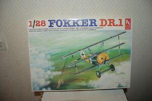 Model HOBBY CRAFT Aircraft Fokker Dr.1 New Model Kit Plane / Plano 1/28