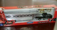 2004 Country Life Die-Cast 1:32 Ford F-350 Super Duty Horse Trailer  New Ray