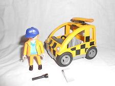 Ref. 4319 Agent signalisation et sa voiture voiture
