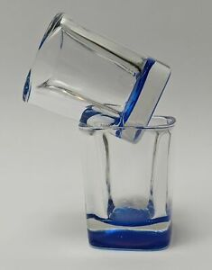Set of 2 Modern Squared Shot Glasses Clear Glass With Blue Bottom