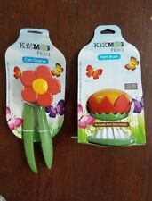 Kizmos Flower Tools Can Opener New with Palm Brush