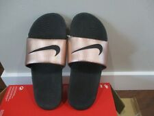 BNWOB Nike Kawa Womens Slide Sandal, 834588, Mtlc red Bronze/Black, Size 7