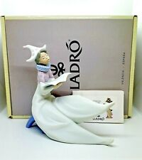 Lladro The Young Jester-Singer 6239 ~ Retired
