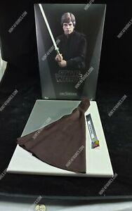 Hot Toys MMS429 Star Wars Luke Skywalker 1/6 action figure's brown robe / cloak