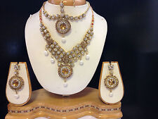 Gold Necklaces Indian Jewellery