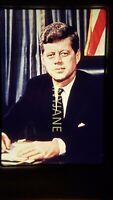BE04 ORIGINAL KODACHROME 35MM SLIDE POTRAIT OF JOHN F KENNEDY IN WHITE HOUSE