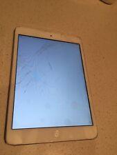 iPad Mini 2  Wifi 64gb BROKEN SCREEN