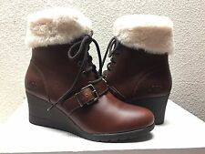 UGG JANNEY STOUT WATERPROOF LEATHER ANKLE WEDGE BOOT US 8.5 / EU 39.5 / UK 7 NEW