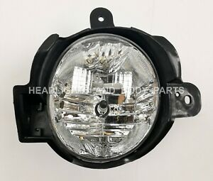 RIGHT Front bumper Fog Lamp fits Toyota Hilux 12.01-16.06 (212-2084RP-AE)