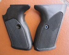 factory made original Walther P5 neue Griffschalen Paar; new grips, Germany made