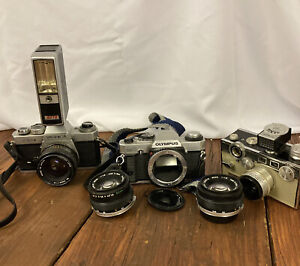 Vtg Lot Of 3 Cameras And 2 Lense Argus, Olympus, Yashica