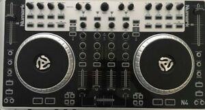 Contrôleur Numark N4 gris ..Bon état peu servi Cd virtual DJ et Serato inclus