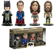 SET 4 FIGURAS BATMAN VS SUPERMAN DE 7 CM.APROX. FUNKO MINI WACKY WOBBLER.NUEVAS.