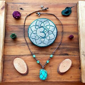 'The Barrier Reef' Necklace Green Aqua Turquoise Hemp Knetted Pendant Jade Beads