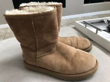 Ugg Women's Chestnut Short Classic Boots Size 7 Or 38 S/n 1016223